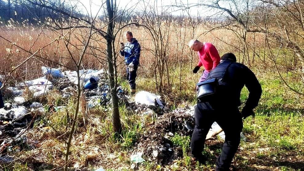 Більше 100 мішків сміття зібрали і вивезли волонтери з лісу, що поблизу Новомосковська, фото-6