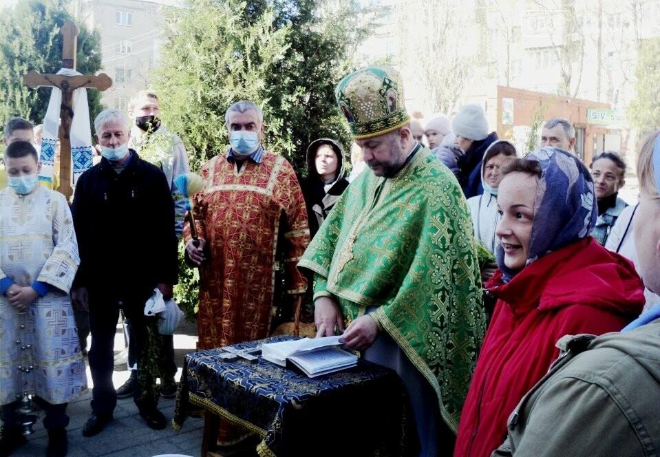 У Новомосковських церквах та храмах пройшли богослужіння з нагоди Вербної неділі, фото-5
