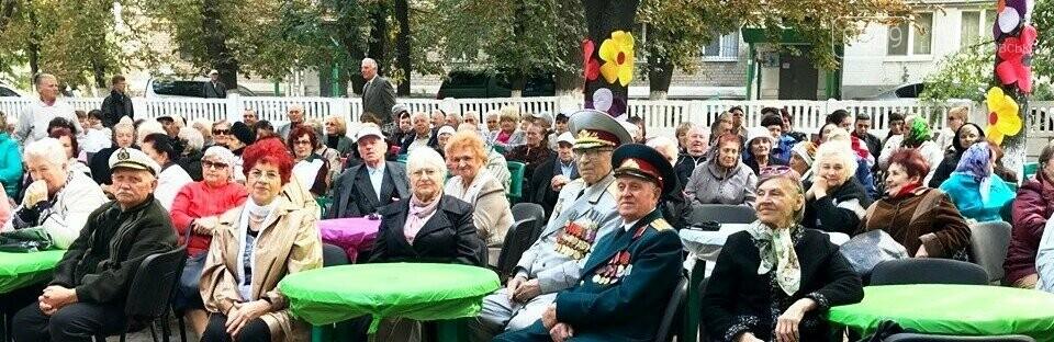 У Новомосковську ветерани на 9 Травня отримають матеріальну допомогу та продуктові набори, фото-1