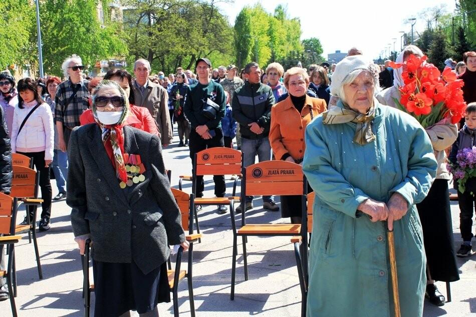 """Новомосковці пам""""ятають: у місті пройшов урочистий мітинг, присвячений Дню Перемоги - ФОТОРЕПОРТАЖ, фото-22"""