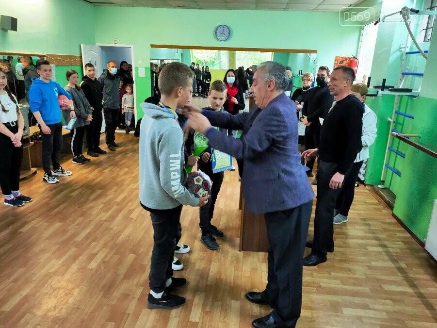 Визначилися переможці турніру з настільного тенісу серед школярів у місті Новомосковську, фото-6