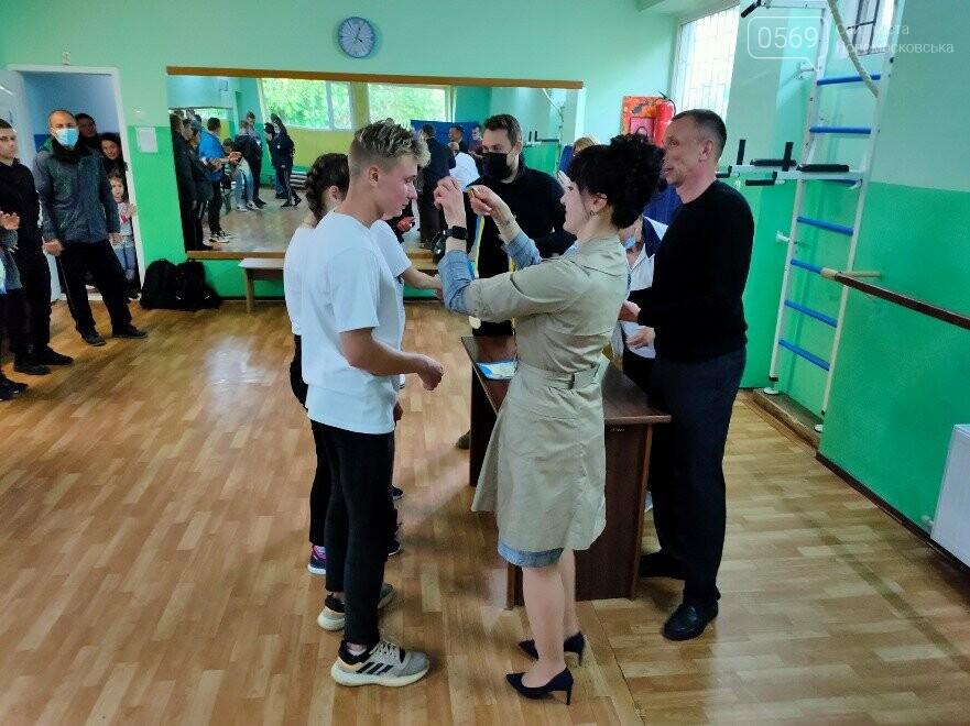 Визначилися переможці турніру з настільного тенісу серед школярів у місті Новомосковську, фото-1