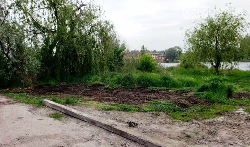 У Новомосковську в рамках акції  «Чистодяка» комунальники вивезли сухе гілля зі старого річпорту, фото-3