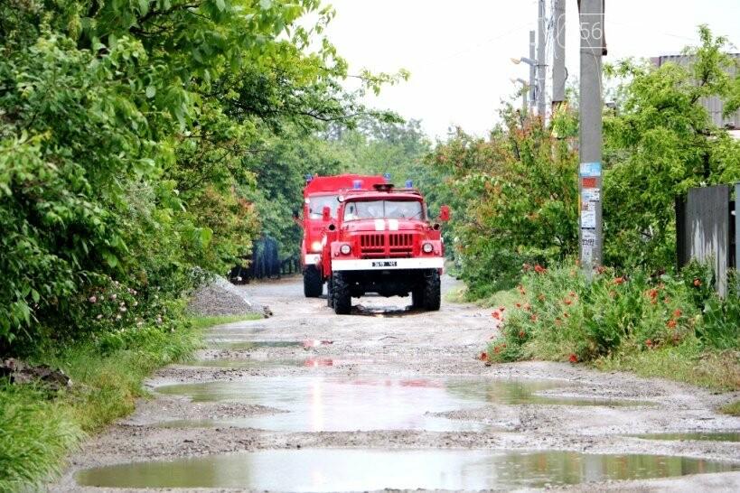 Надзвичайники борються з підтопленнями на території Дніпропетровщини внаслідок тривалих опадів: ФОТО, ВІДЕО, фото-6