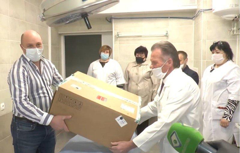 В Богодуховской районной больнице появился первый портативный аппарат ИВЛ - ФОТО, ВИДЕО, фото-1
